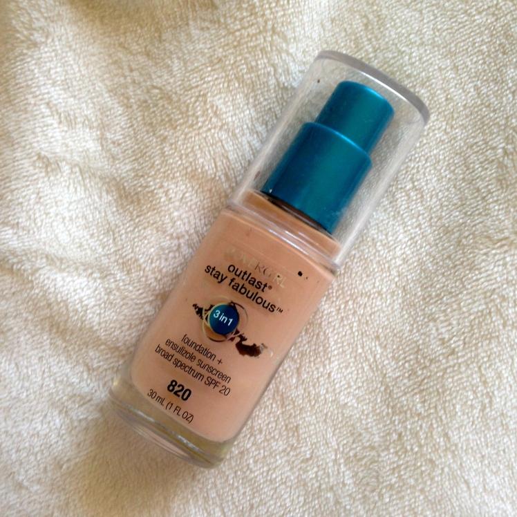 best foundation for oily skin, summer foundation, oily skin foundation, oily skin foundation reviews, covergirl 3 in 1, jouer matte moisture tint, mac studio fix fluid