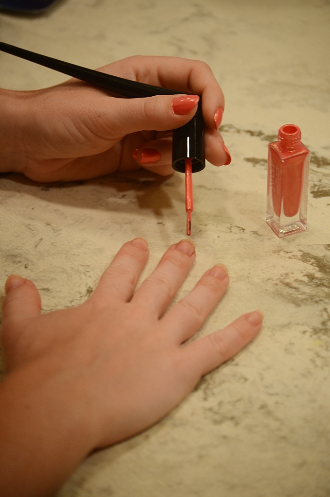 how to paint your nails, painting your nails just got easier, tips for painting your nails, easy nail painting, paint your nails like a professional, revolutionary nail painting tool, julep pile wand, julep, julep pile want review