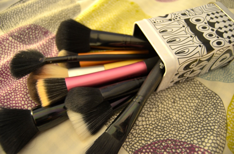 how to clean your makeup brushes, how to clean your makeup collection, how to clean your makeup brushes, how to clean makeup, degerming makeup, cleaning makeup, making your makeup last longer, how to make your makeup last longer, makeup, cosmetics, makeup collection, how to, allison kehoe blog, weezywee blog