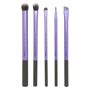 essential makeup brushes for beginners, makeup brushes for beginners, beginning makeup brushes, starter makeup brushes, essential makeup brushes, affordable makeup brushes, affordable makeup brushes for beginners, top 5 makeup brushes, top 5 makeup brushes for beginners, makeup beginners, makeup, beauty